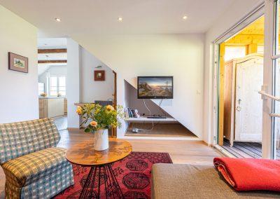 Ferienwohnung in Obersdorf - Wohnzimmer mit Blick auf TV